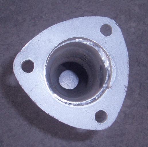Bild rostfritt rör med stor 3-håls fläns