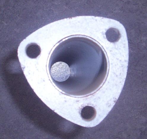 Bild rör i rostfritt stål med 3-hålsfläns för avgasrörsbyggnation